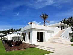 라차(The Racha Phuket Resort)